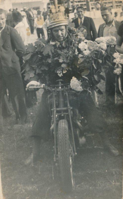 Arvīds Vāģis (1917-2000)