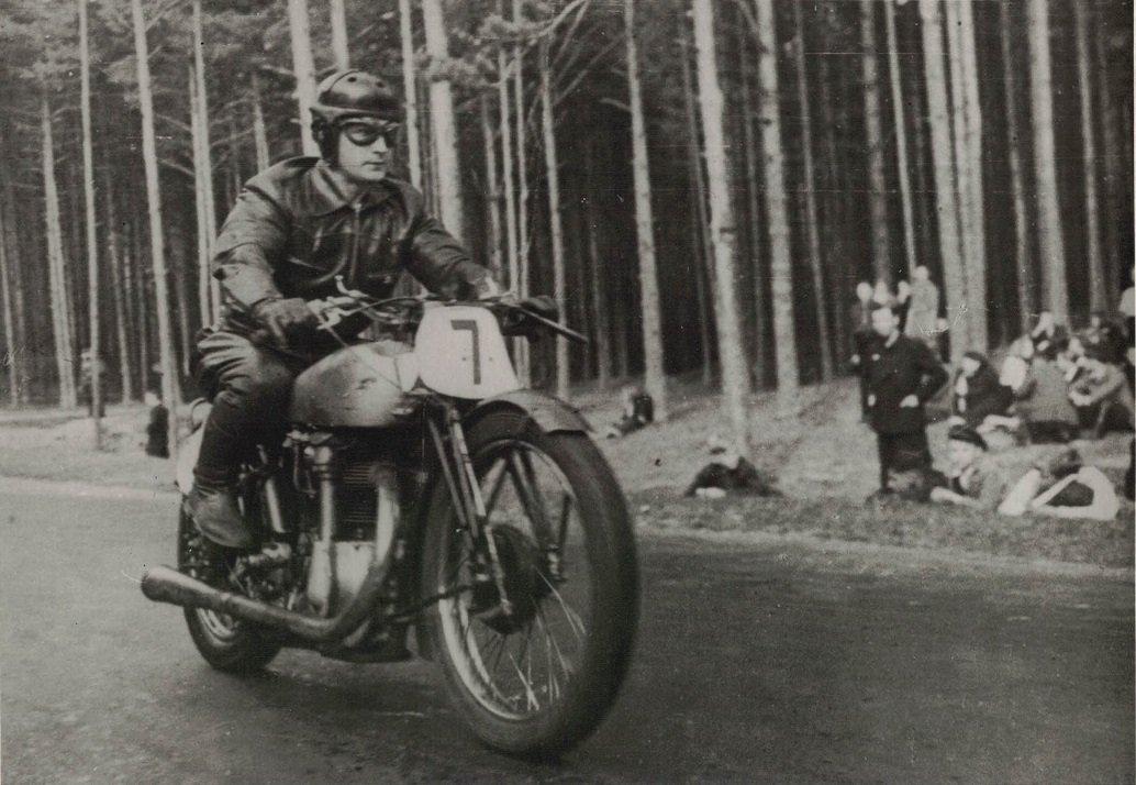 Viktors Deninis (1908-1989)