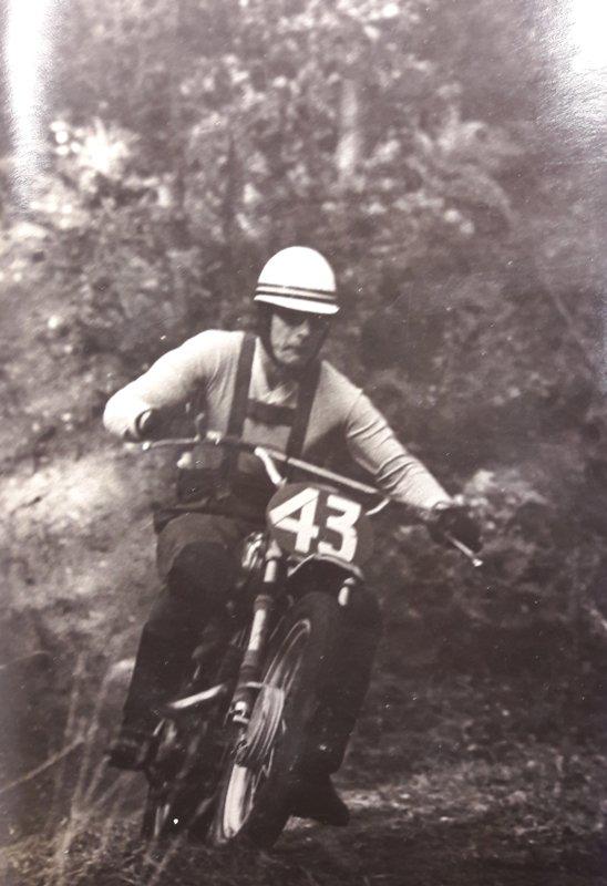 Jānis Bezdelīga (1940)